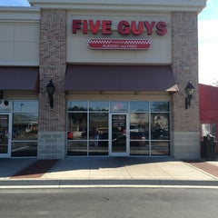 Photo taken at Five Guys by Rob W. on 1/11/2013