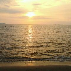Photo taken at หาดบางแสน (Bang Saen Beach) by Pongsagorn B. on 12/9/2012