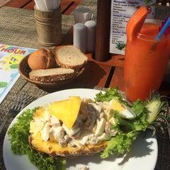 Photo taken at Chaba Samui Resort by Катерина Ф. on 3/8/2015