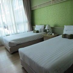Photo taken at A-te' Hotel (โรงแรม เอเต้ ชุมพร) by aum a. on 6/14/2014