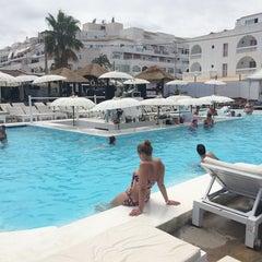 Photo taken at La Jacaranda Lounge Ibiza by Anaïs V. on 8/19/2014