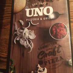 Photo taken at Uno Pizzeria & Grill - Madison by Christie D. on 3/5/2015
