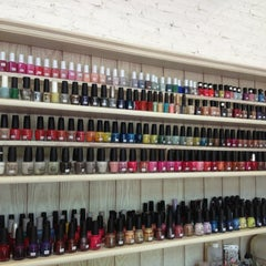 Photo taken at In the Garden - Nail Spa by NaMTiP on 9/10/2013