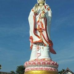 Photo taken at วัดสมานรัตนาราม (Wat Samanrattanaram) by 'A' Iam K. on 12/29/2012