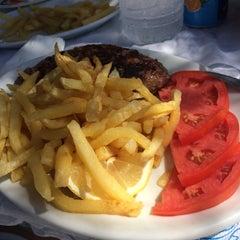 Photo taken at Paradiso Taverna by Χριστόδουλος Α. on 8/15/2015