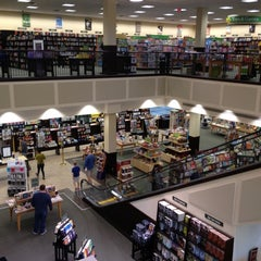Photo taken at Barnes & Noble by Gary L. on 9/30/2012