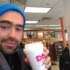 Photo taken at Dunkin' Donuts by Benny V. on 1/23/2016