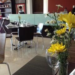 Foto tomada en Hotel Sonesta por Sebastian V. el 11/27/2012