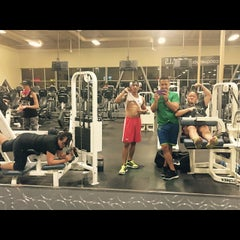 Photo taken at 24 Hour Fitness by Jordan_Jhy on 2/14/2015