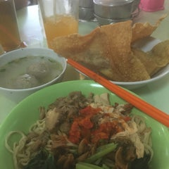 Photo taken at Bakmi Gang Kelinci by Chelsea M. on 7/25/2015