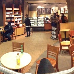 Photo taken at Starbucks by Duke N. on 2/8/2013