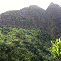 Photo taken at ʻĪao Valley State Park by Tom C. on 4/11/2012
