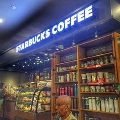 Photo taken at Starbucks (สตาร์บัคส์) by Khemarath C. on 10/24/2015