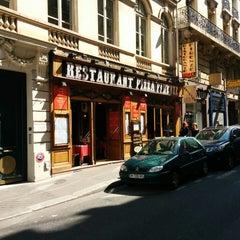Photo taken at Pizza Firenze by Hiroki M. on 8/23/2014