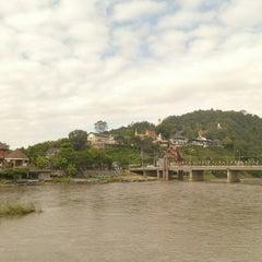 Photo taken at วัดท่าตอน by Yongyoot C. on 11/18/2012