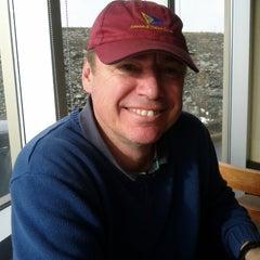 Photo taken at Starbucks by Naci D. on 12/28/2012