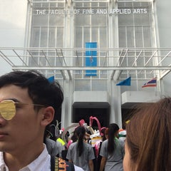 Photo taken at คณะศิลปกรรมศาสตร์ (Faculty of Fine and Applied Arts) by Pizza P. on 9/3/2015