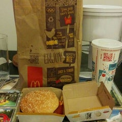 Photo taken at McDonald's by Francis D. on 9/19/2014