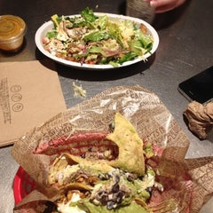 Photo taken at Chipotle Mexican Grill by Jade T. on 12/13/2012