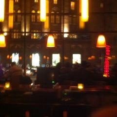 Photo taken at Fleming's Prime Steakhouse & Wine Bar by L M. on 11/23/2012