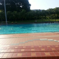 Photo taken at Yio Chu Kang Swimming Complex by Zoey W. on 10/28/2012