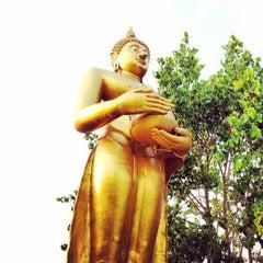 Photo taken at วัดท่าตอน by Poommarin K. on 4/16/2013