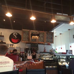 Photo taken at The Corner Perk Cafe, Dessert Bar, and Coffee Roasters by Ray S. on 12/5/2014