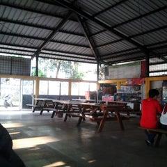 Photo taken at Pujasera Politeknik Negeri Bandung (Polban) by Fathia M. on 3/4/2014