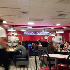 Photo taken at Steak 'n Shake by Jim L. on 5/4/2013