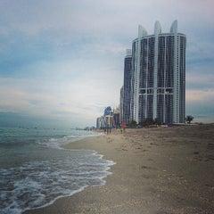 Photo taken at Trump International Beach Resort by Daniel P. on 7/28/2013