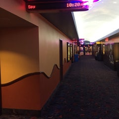 Photo taken at Regal Cinemas Pointe Orlando 20 & IMAX by Johnnie W. on 6/9/2015