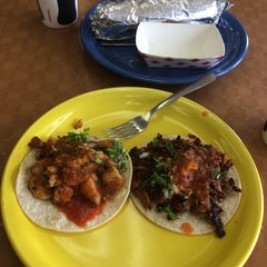Photo taken at Taqueria de Amigos by Gilbert R. on 7/4/2014