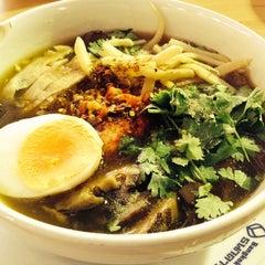 Photo taken at BBL Canteen (โรงอาหาร ธนาคารกรุงเทพ) by Jom on 2/5/2014