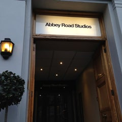 Photo taken at Abbey Road Studios by 🇫🇷 Julien S. on 12/12/2012