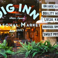 Photo taken at Dig Inn Seasonal Market by The Corcoran Group on 7/9/2013
