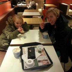 Photo taken at McDonald's by Maaike H. on 11/14/2014