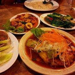 Photo taken at Restoran Sala Thai by Jess L. on 11/10/2012