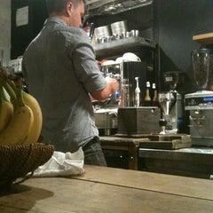 Photo taken at Café 474 by rocío aracelis ú. on 10/8/2012