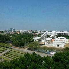 Photo taken at ศูนย์โทรคมนาคมนนทบุรี (Nonthaburi Telecommunication Center) by Phoenix N. on 11/30/2015