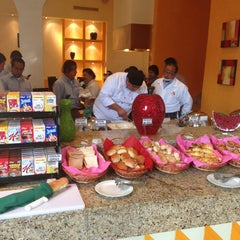 Photo taken at Restaurante La Huerta Café by Jesus O. on 7/23/2013