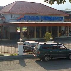 Photo taken at Stasiun Purwokerto by Choky P. on 4/30/2013