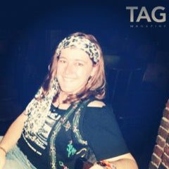 Photo taken at Ernie Biggs Dueling Piano Bar by Tess D. on 12/20/2012