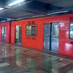 Photo taken at Metro Universidad (Línea 3) by Fernando E G. on 11/3/2012