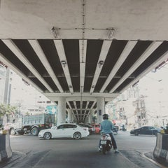 Photo taken at แยกแคราย (Khae Rai Intersection) by Ratthaket I. on 5/26/2015