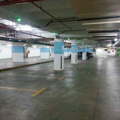 Photo taken at Menara Maybank GM's parking by ♛-∂ÑƝă_Ƨ'ӃĻ®™©-♛ on 1/3/2014