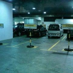 Photo taken at Menara Maybank GM's parking by ♛-∂ÑƝă_Ƨ'ӃĻ®™©-♛ on 10/31/2012