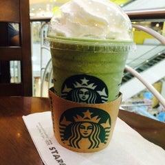 Photo taken at Starbucks (สตาร์บัคส์) by JOKENINE ® on 1/14/2015