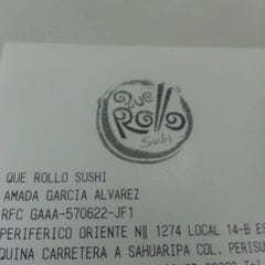 Photo taken at Que Rollo sushi by David E. C. on 7/22/2013