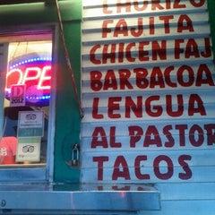 Photo taken at Taqueria El Si Hay by Ernesto Y. on 7/18/2013
