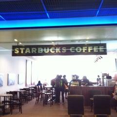 Photo taken at Starbucks (สตาร์บัคส์) by Santi S. on 1/9/2013